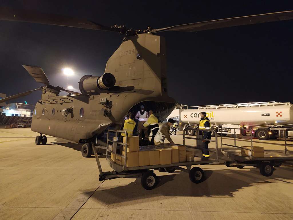 10.-Un-CH-47F-del-1-Antares-trasporta-DPI