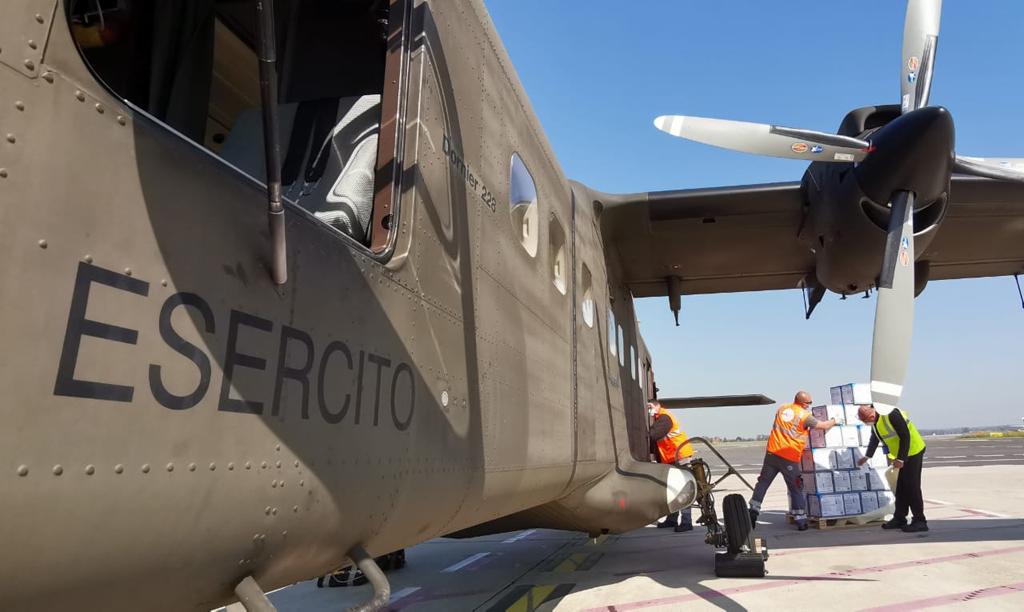 Trasporto materiale sanitario con aereo Dornier 228 del 28° Tucano