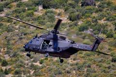 Foto-6-Arrivo-di-un-elicottero-UH-90