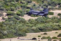 Foto-9-Inserzioine-del-personale-da-un-elicottero-CH-47F