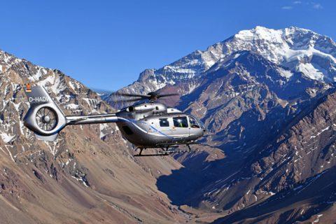 Il nuovo Airbus H145 atterra sulla cima delle Ande