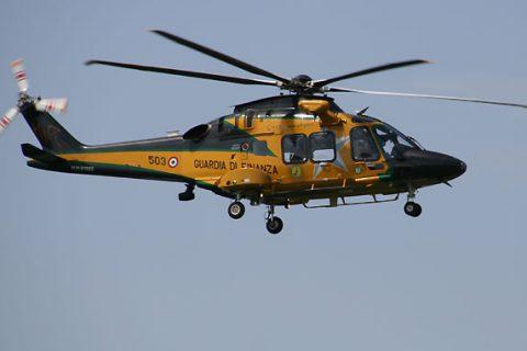 Bolzano un UH-169A della Guardia di Finanza si capovolge in rullaggio. Il video dell'incidente